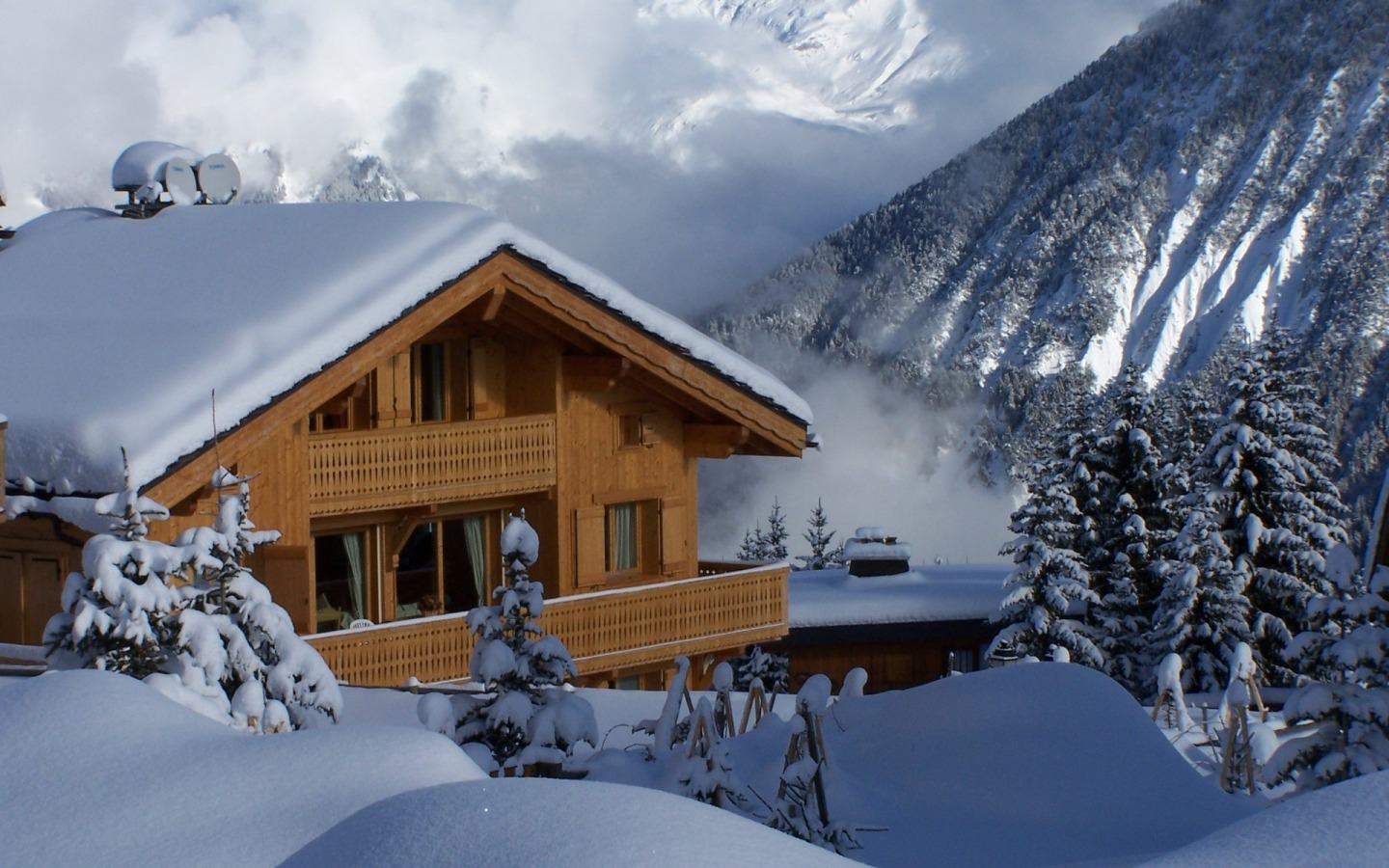 mountain-cabin-in-winter